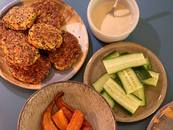 Scrambled_tofu_quinoa_patties_deller3